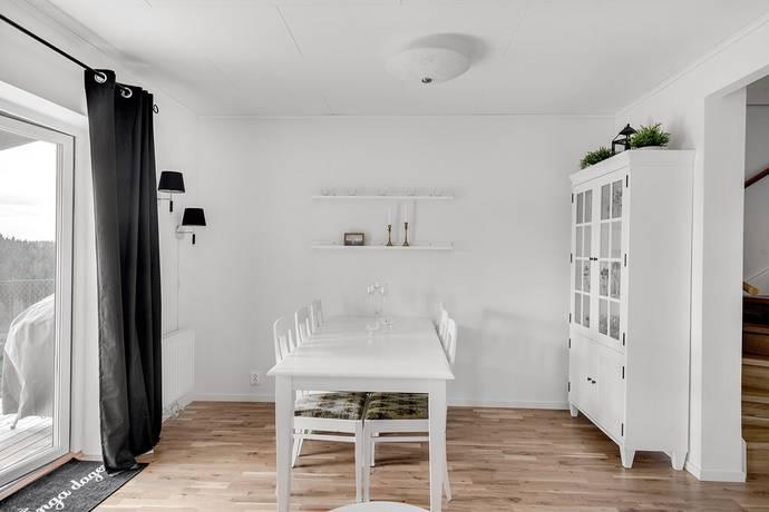 Bild: 5 rum bostadsrätt på Hägnadsgatan, Skövde kommun TRÄDGÅRDSSTADEN
