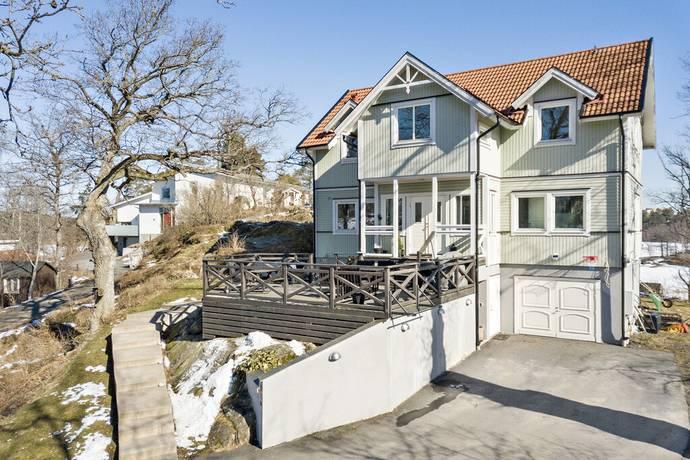 Bild: 6 rum villa på Länsvägen 30, Huddinge kommun Mellansjö