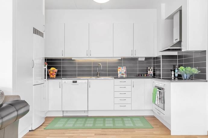 Bild: 3 rum bostadsrätt på Henry Wemans väg 12, Uppsala kommun Gottsunda