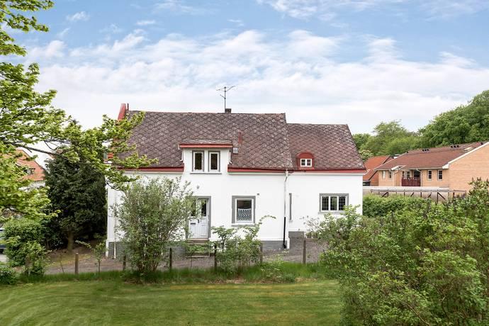 Bild: 10 rum villa på Ernst Ahlgrensgatan 20, Hörby kommun Centrum