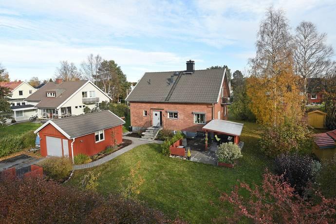 Bild: 6 rum villa på Vintergatan 19, Umeå kommun Söderslätt