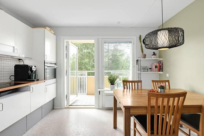 Bild: 3 rum bostadsrätt på Älvans Väg 52, Umeå kommun Tomtebo