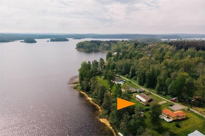 Bild: 4 rum villa på Hasselvägen 10, Falköpings kommun Nabben vid sjön Lönnern