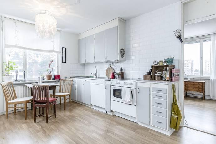 Bild: 4 rum bostadsrätt på Mörbyhöjden 23, Danderyds kommun Mörbyskogen