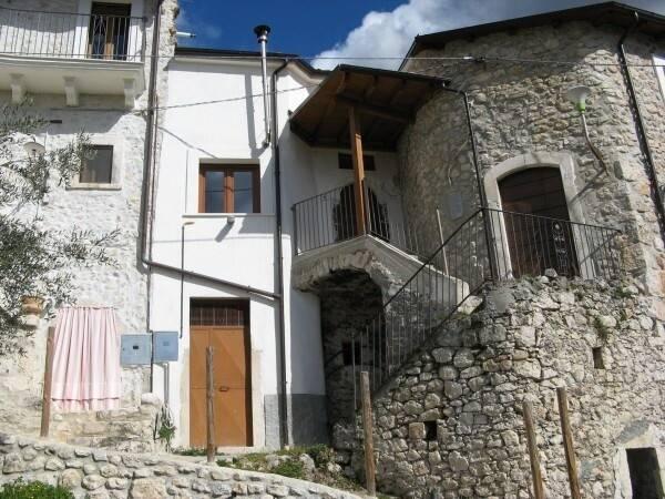Bild: 2 rum radhus på Roccacasale, Italien Abruzzo