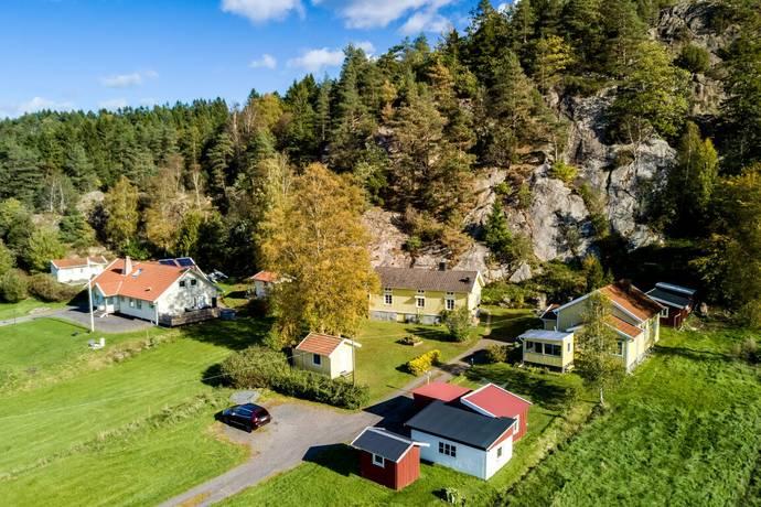 Bild: 5 rum gård/skog på Annebergsvägen 31, Mölndals kommun Lindome