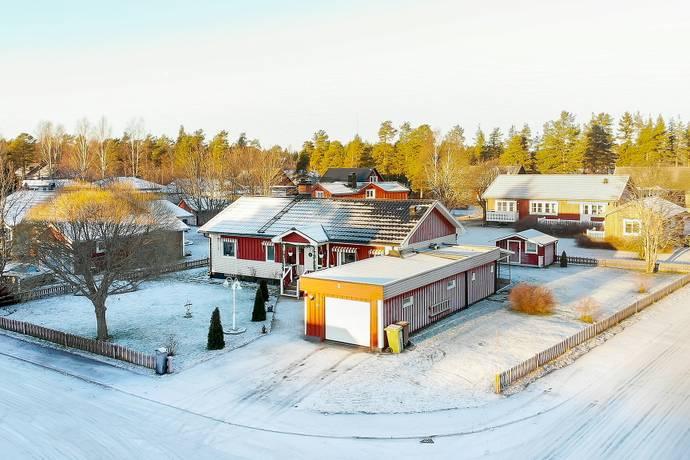 Bild: 5 rum villa på Furuvägen  2, Umeå kommun Sävar