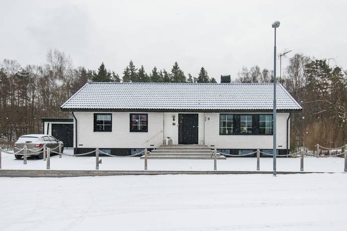 Bild: 6 rum villa på Hagsvägen 8, Marks kommun Torestorp
