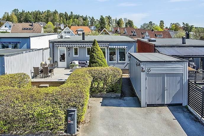 Bild: 5 rum villa på Gullrisvägen 15, Upplands Väsby kommun Bollstanäs