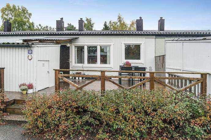 Bild: 5 rum radhus på Rudsjövägen 90, Nacka kommun Duvnäs Utskog