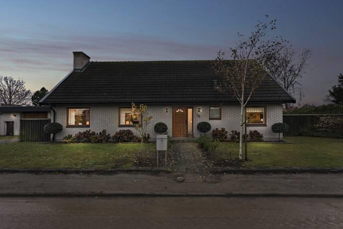 Bild: 6 rum villa på Sundsgatan 16, Malmö kommun Bunkeflostrand