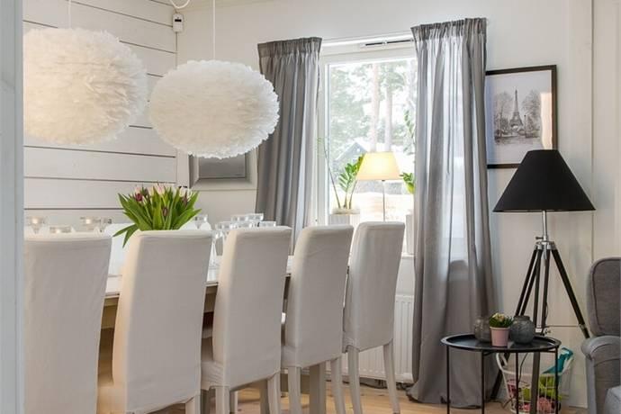 Bild: 6 rum villa på Repslingan 49, Kristianstads kommun Åhus - Vattentornet