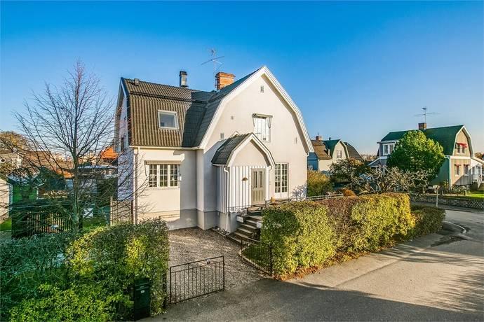 Bild: 6 rum villa på Sörbyallén 24, Örebro kommun Sörby