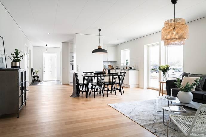 Bild: 6 rum villa på Värabjärsvägen  59, Varbergs kommun Smeakalles Äng
