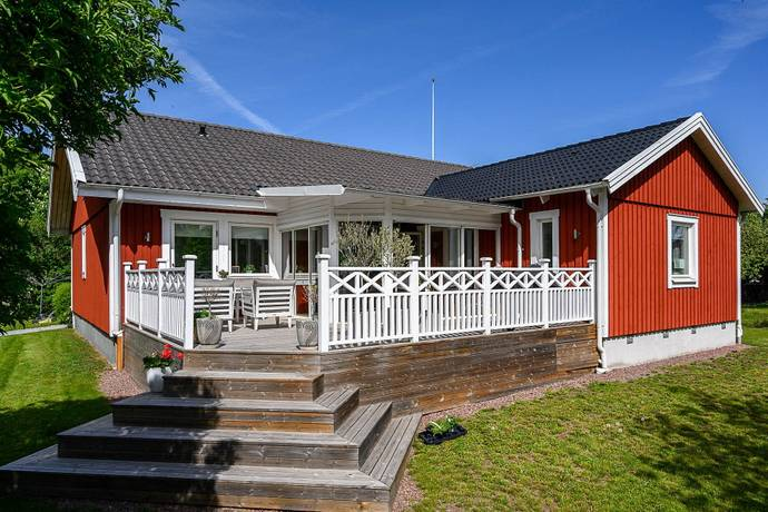 Bild: 6 rum villa på Silverbacksvägen 9, Kalmar kommun Smedby
