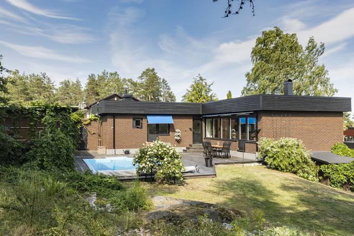 Bild: 7 rum villa på Tryffelstigen 5, Nyköpings kommun Bryngelstorp
