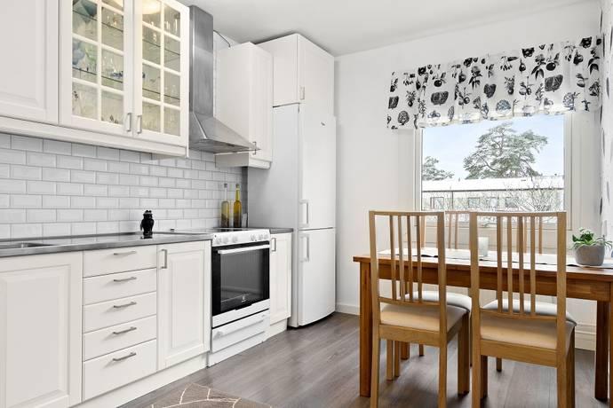 Bild: 2 rum bostadsrätt på Björnstigen 109, Solna kommun Bergshamra