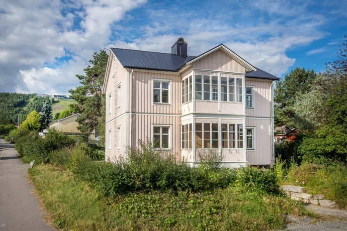 Bild: 9 rum villa på Hallstavägen 10, Sollefteå kommun