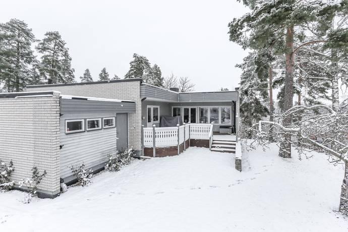 Bild: 6 rum villa på Björnstigen  20, Köpings kommun
