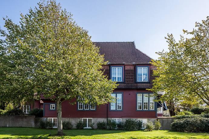 Bild: 10 rum villa på Ringvägen 85, Varbergs kommun Centrum