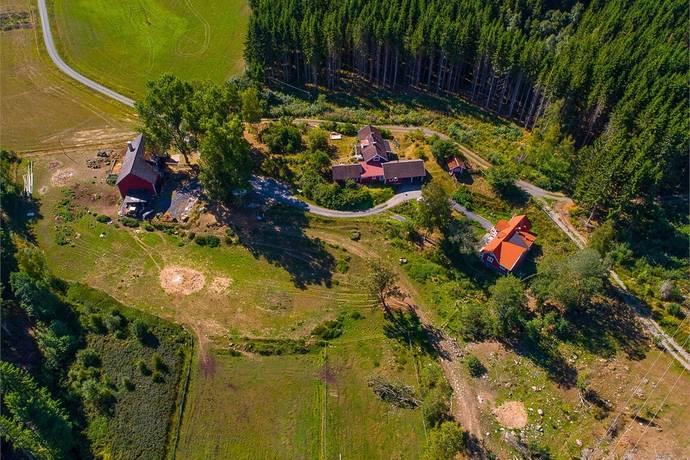 Bild: 6 rum gård/skog på Djuvarp Skogsliden 4, Jönköpings kommun Lekeryd