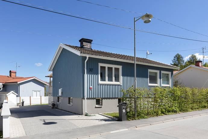 Bild: 5 rum villa på Plommonvägen 32, Stockholms kommun Eneby