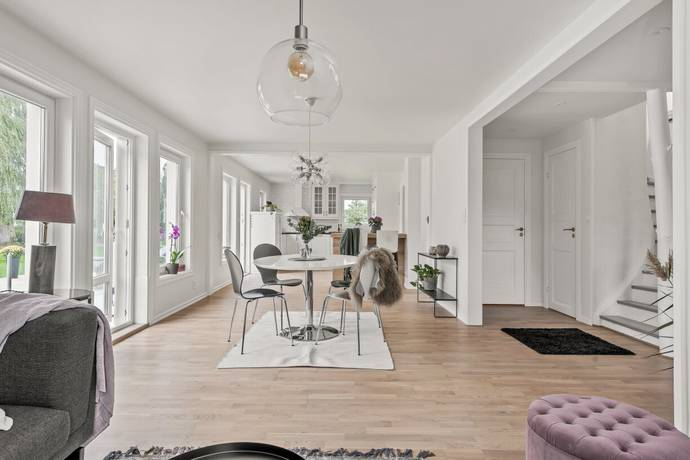 Bild: 5 rum villa på Kornvägen 8, Ekerö kommun Färingsö Stenhamra