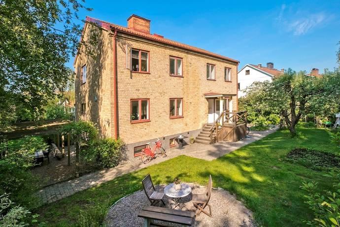 Bild: 9 rum villa på Nyckelbergsvägen 28, Köpings kommun Nyckelberget