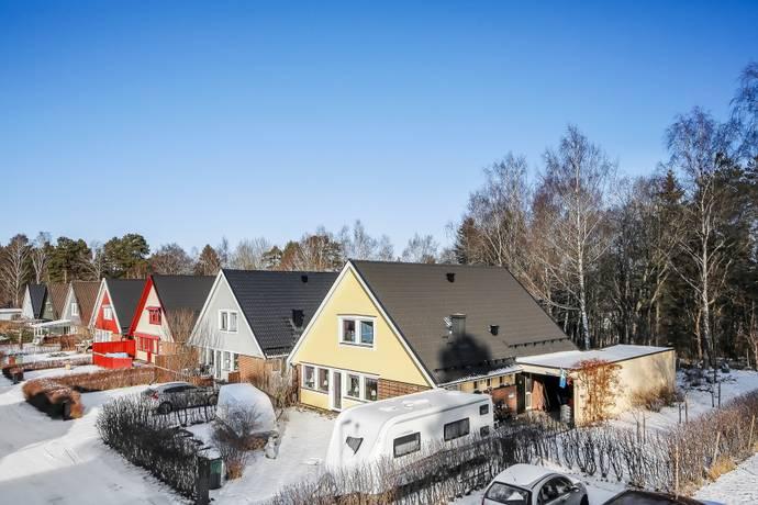 Bild: 177 m² radhus på Trastvägen, Håbo kommun Bålsta Norra Västerdalen