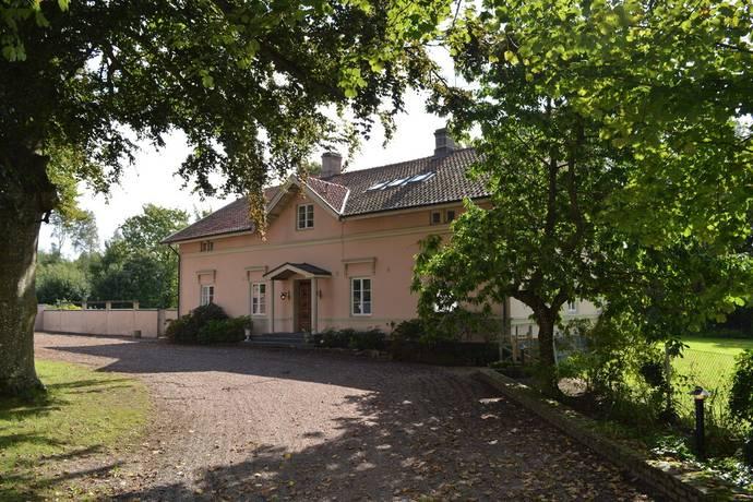 Bild: gård/skog på Ekdalens Gård, Åstorps kommun
