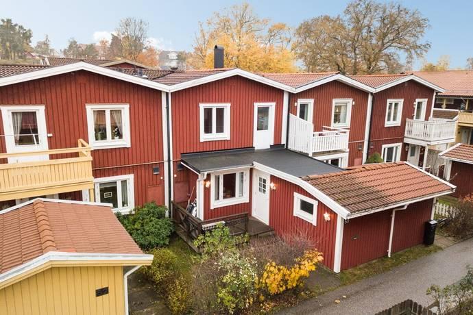 Bild: 4 rum radhus på Oxelbärsgränd 50, Stockholms kommun Hässelby Södra Villastad