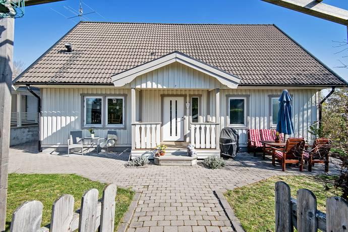 Bild: 6 rum villa på Kvarnstensvägen  4, Upplands Väsby kommun Sköldnora/Fornboda