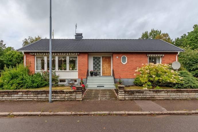 Bild: 4 rum villa på Syrénvägen 8, Oskarshamns kommun Centralt