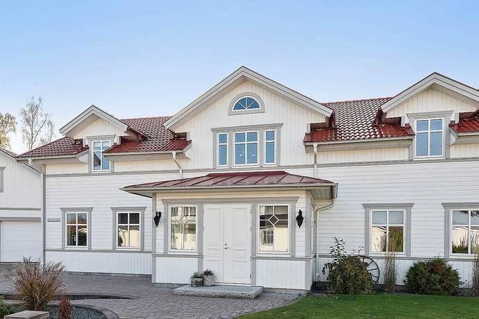 Bild: 7 rum villa på Allmogevägen  32, Ljungby kommun