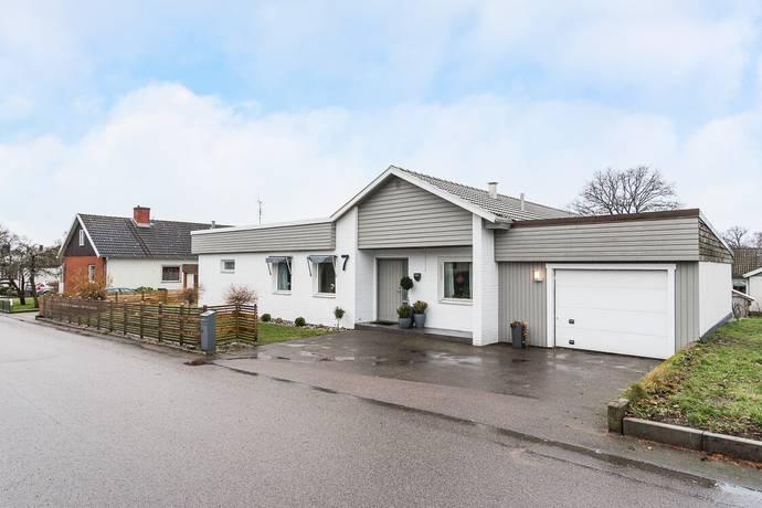 Bild: 4 rum villa på Februarivägen  7, Växjö kommun Danneborg