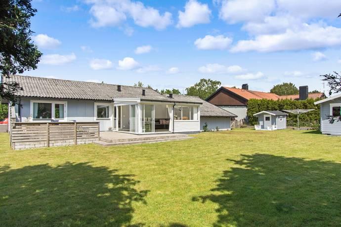 Bild: 4 rum villa på Ängsgatan 18, Tomelilla kommun Tomelilla