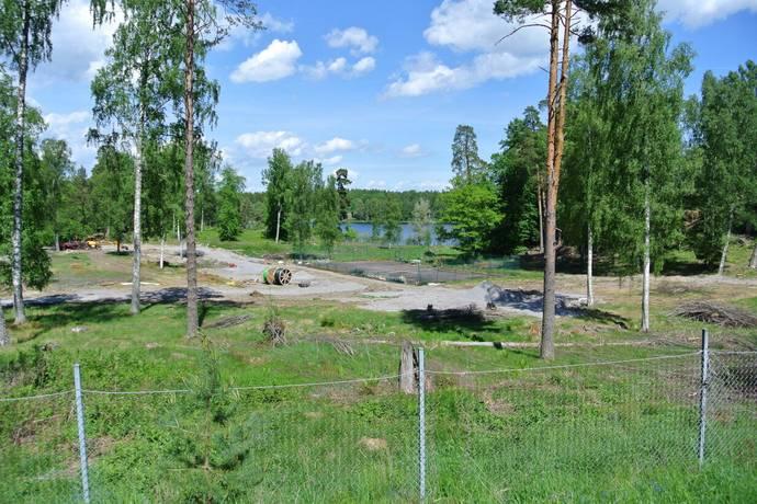 Bild: tomt på Von Berchners Väg 2-22, Nyköpings kommun Stavsjö- Engelska parken