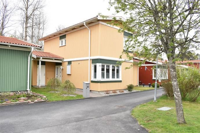 Bild: 4 rum bostadsrätt på Hagmarksvägen 30, Vetlanda kommun Mellangården