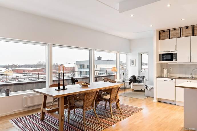 Bild: 2 rum bostadsrätt på Vårfrugatan 2, Enköpings kommun Sankt Ilian