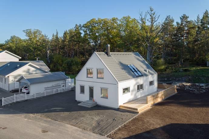 Bild: 6 rum villa på Odlingsvägen 7, Västerviks kommun Piperskärr