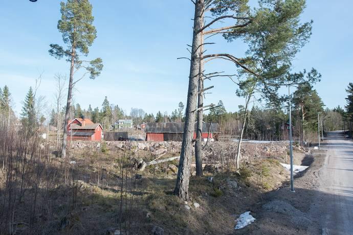 Bild: tomt på Sikviksvägen 27 A, Gävle kommun Sikvik