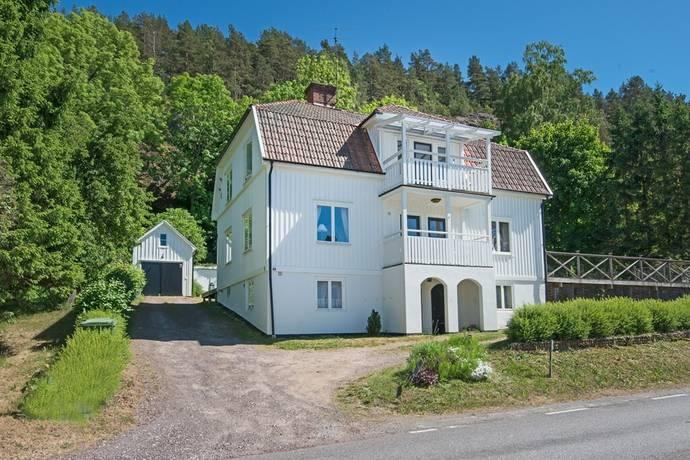 Bild: 7 rum villa på Jönköpingsvägen, Jönköpings kommun Gränna