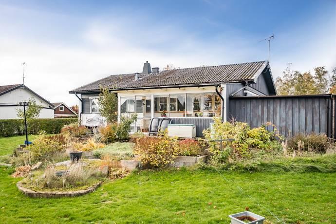 Bild: 3 rum villa på Furusvängen  14, Östra Göinge kommun Knislinge