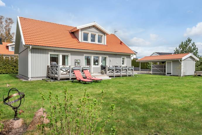 Bild: 6 rum villa på Bergsvägen 8, Upplands Väsby kommun Bollstanäs