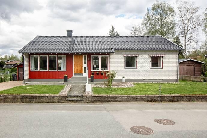 Bild: 4 rum villa på Trädgårdsgatan 8, Markaryds kommun