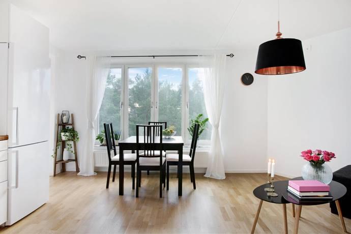 Bild: 2 rum bostadsrätt på Borgbacken 6, Huddinge kommun Segeltorp