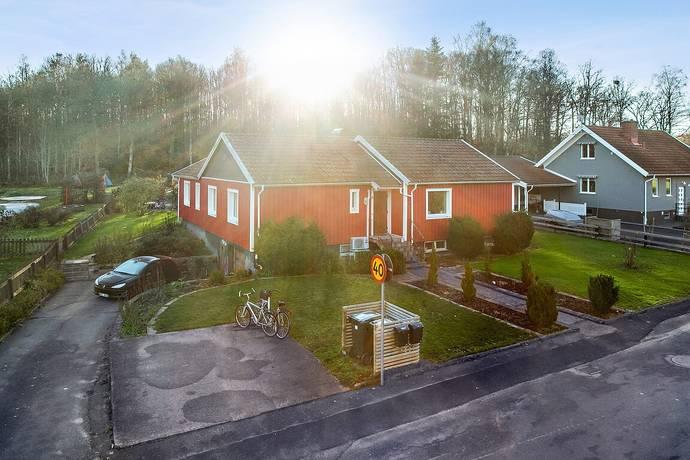 Bild: 6 rum villa på Västra Ringvägen 48, Varbergs kommun Veddige