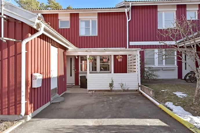 Bild: 5 rum radhus på Dekorstigen 29, Södertälje kommun Lina Hage