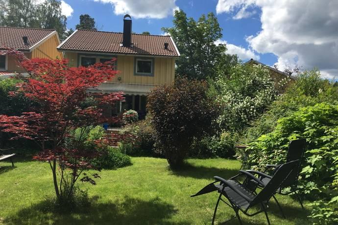 Bild: 4 rum villa på Armévägen 16, Täby kommun Gribbylund