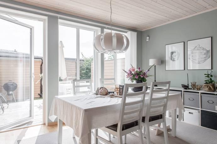 Bild: 6 rum villa på Gunnarbovägen 125, Solna kommun Solna